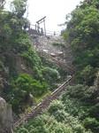 洞門まで階段